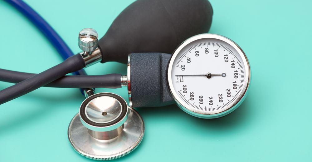 slėgio indikatorius rodo hipertenziją)