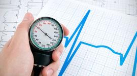 žemesnio slėgio hipertenzija)